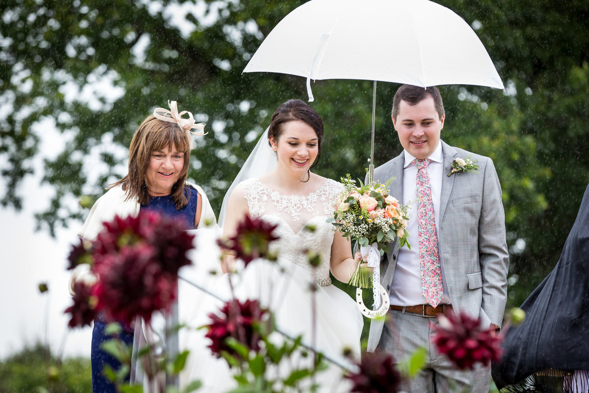 wet wedding at the oak barn in exeter devon