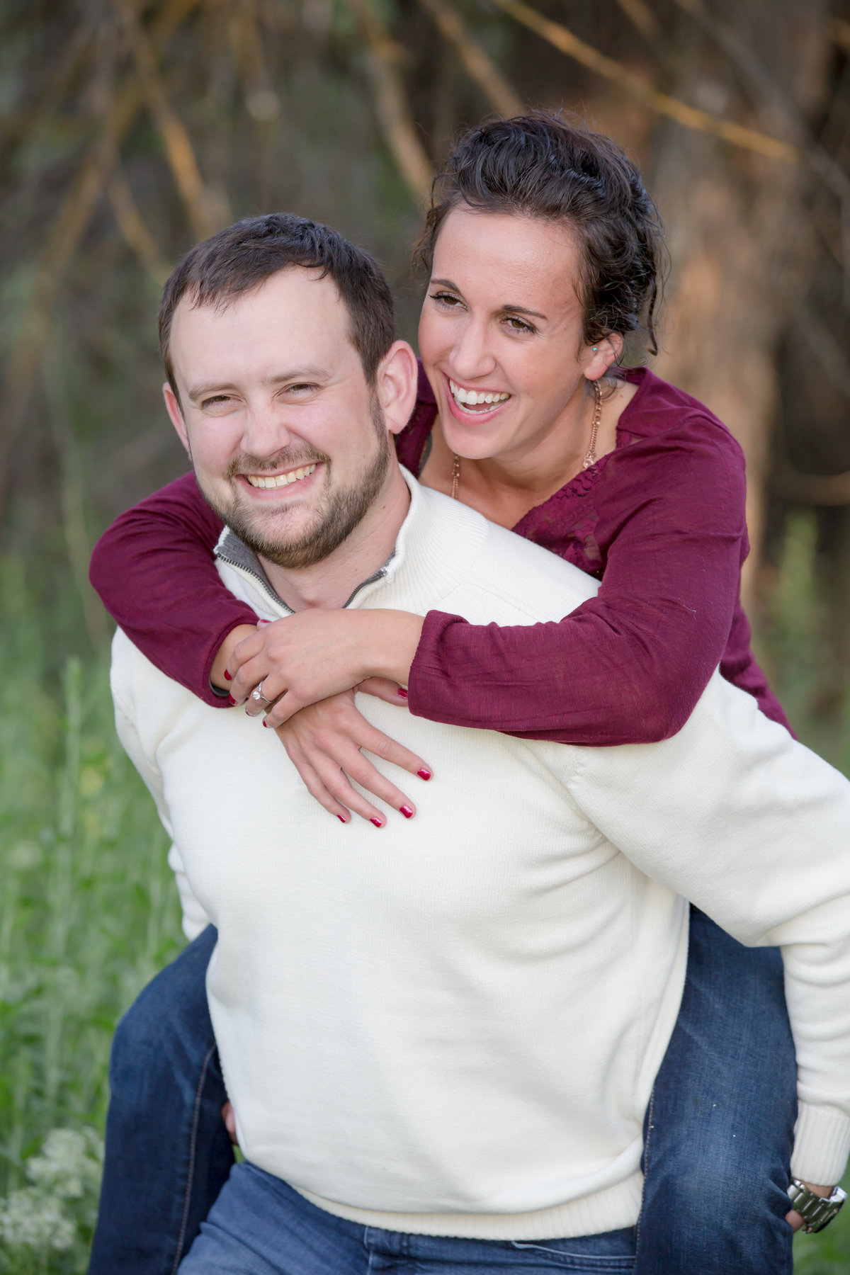 engaged couple wenatchee  Lynette Smith Photography