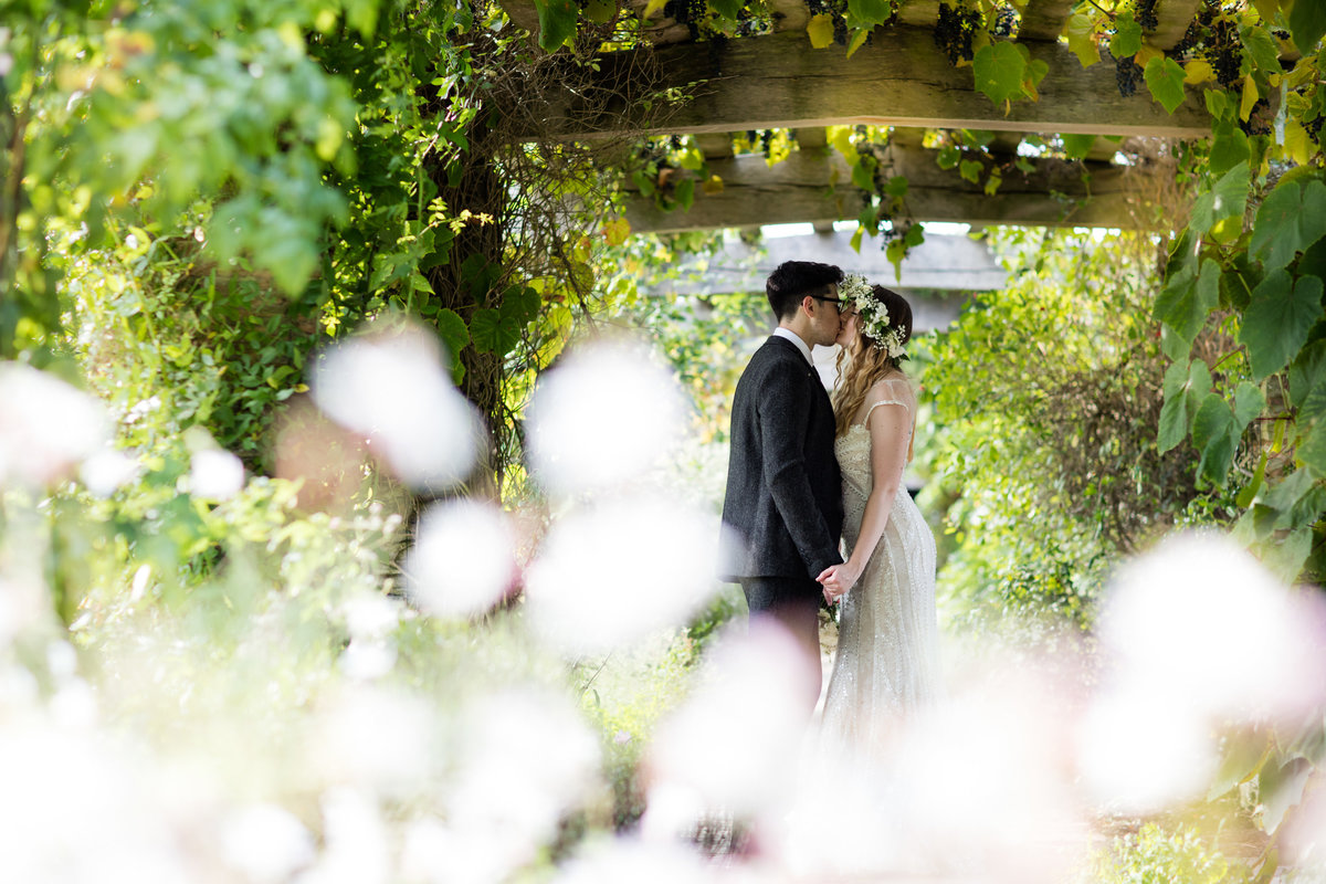 beautiful summer wedding at hestercombe gardens