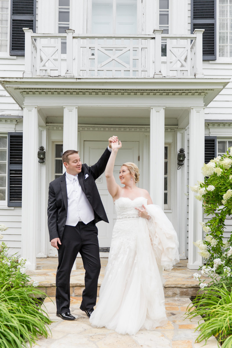 Ottawa-Wedding-Photographer-bride-groom-billings-estate-wedding-photo-5