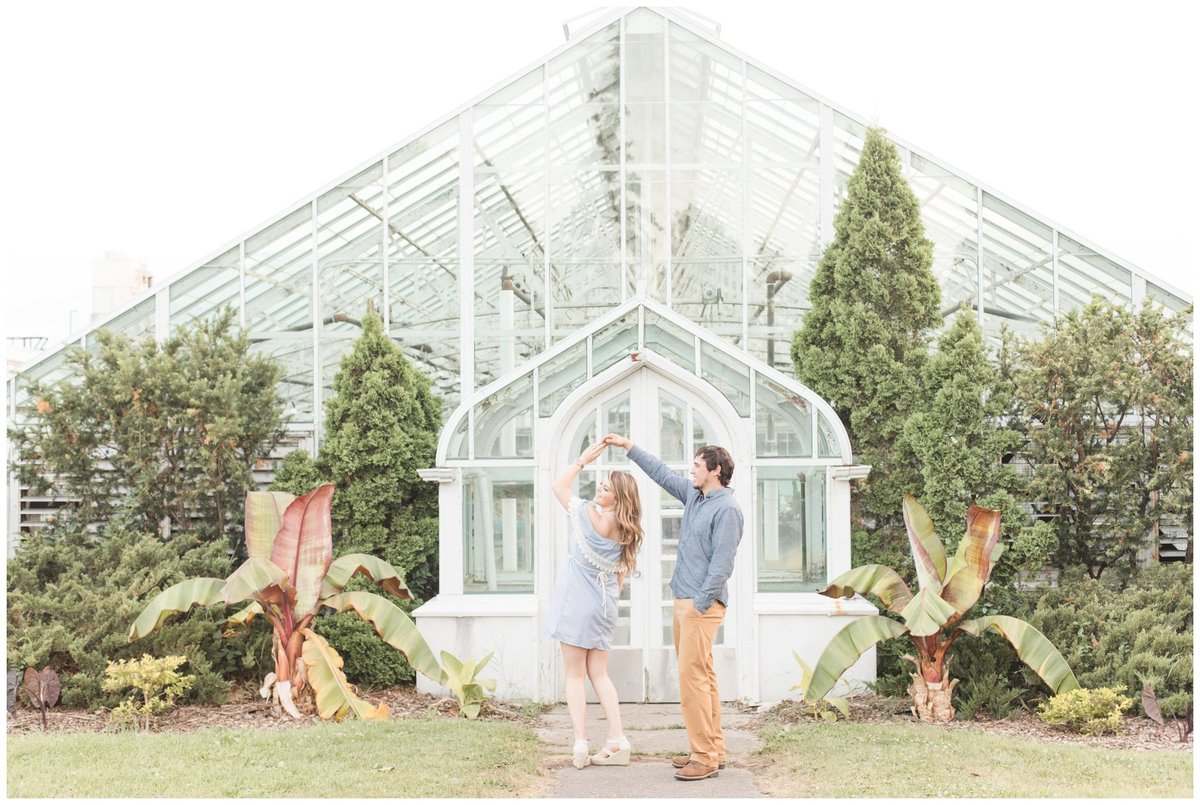 Light-and-Airy-Ottawa-Wedding-Photographer-Experimental-Farm-Greenhouse-Engagement-session