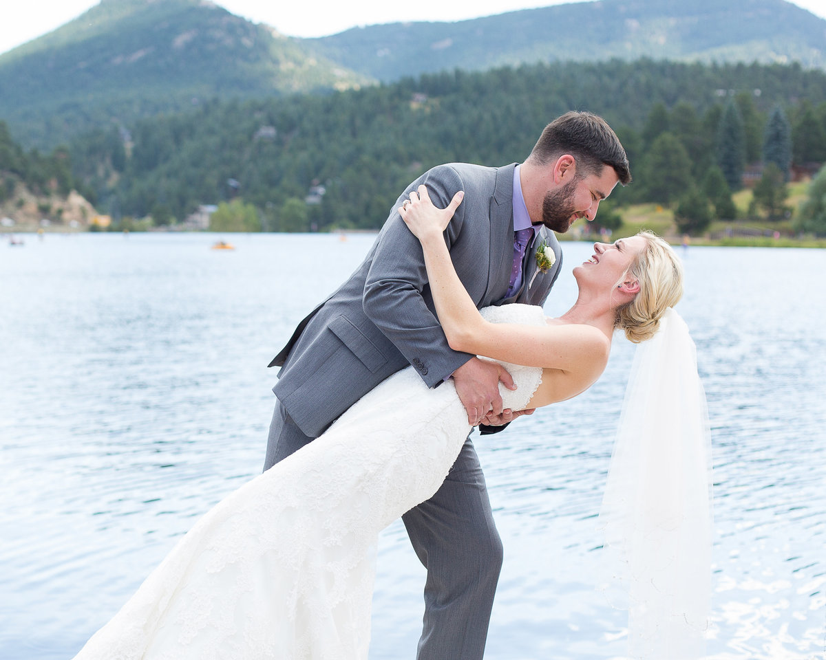 mountain-lake-wedding-Evergreen-Colorado
