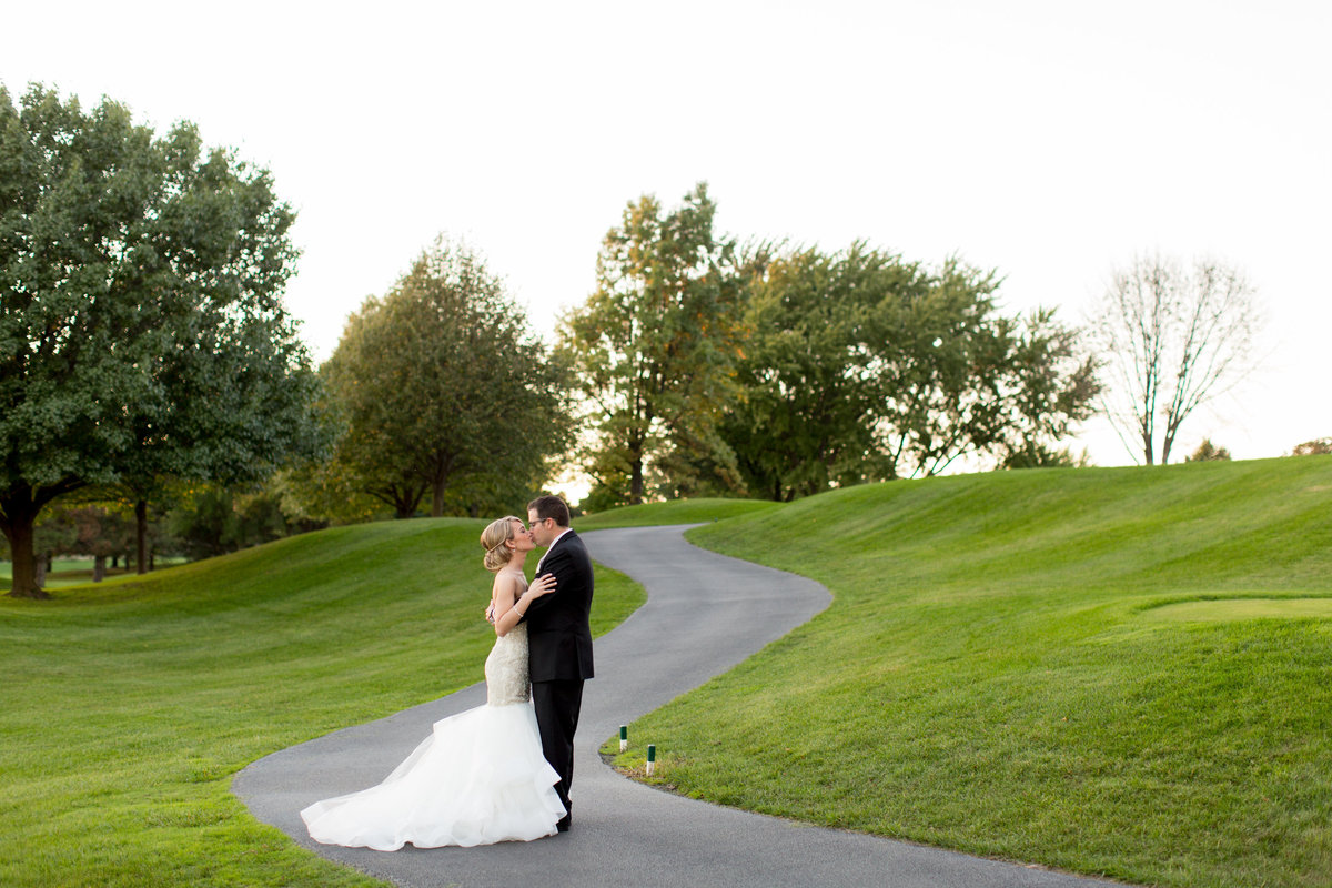 Oak-Brook-Hills-Resort-Wedding-090