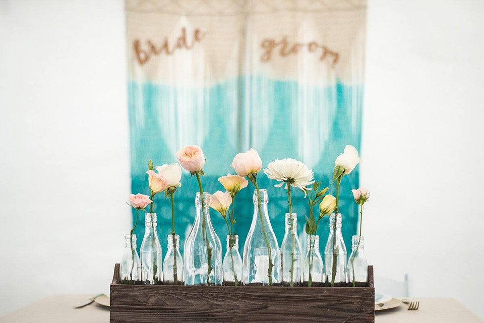 Granby-colorado-strawberry-creek-ranch-hipster-mountain-wedding-floral-vases