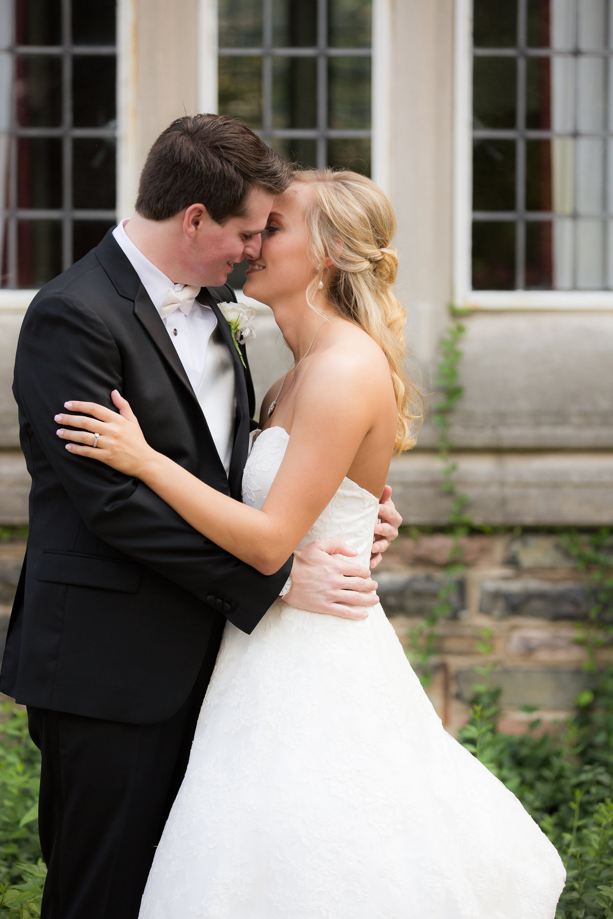 Chapel Wedding - Scaritt Bennett - Nashville Bride - Nashville Brides - Nashville Wedding - Nashvilel Weddings - Southern Bride - Traditional Bride015