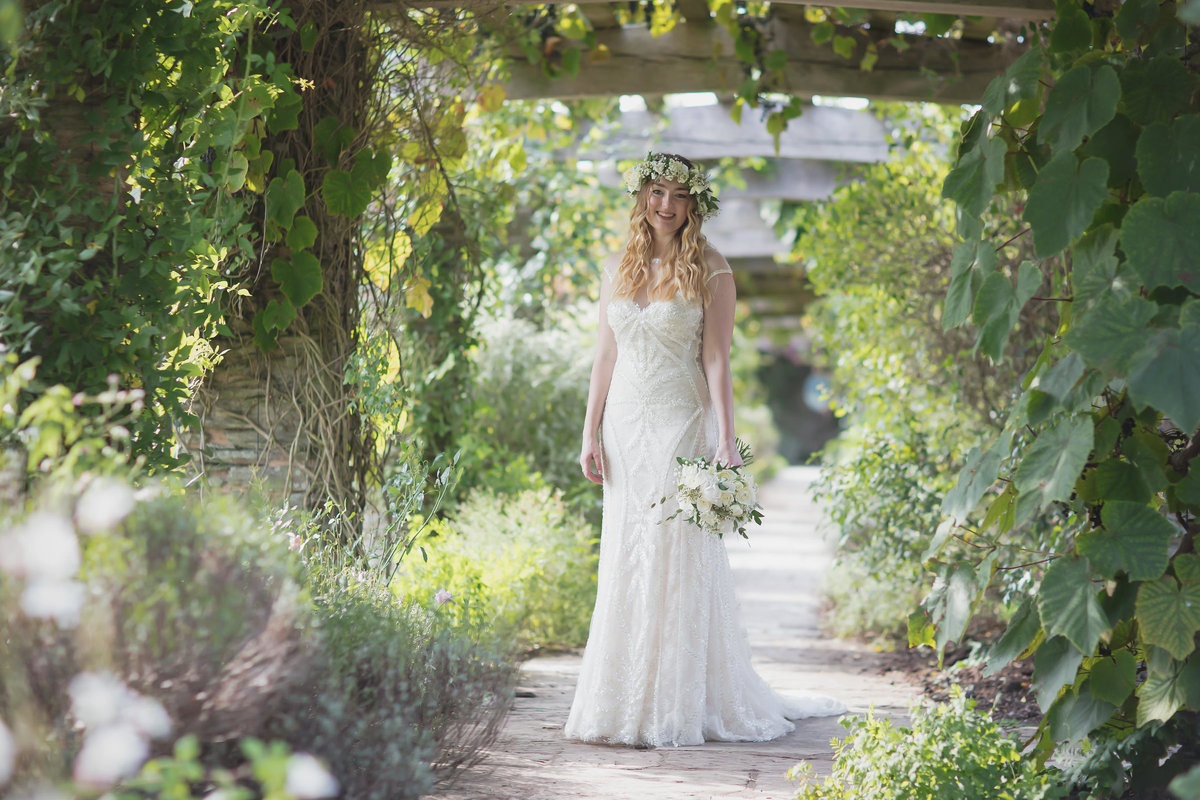 bridal portrait at hestercombe gardens