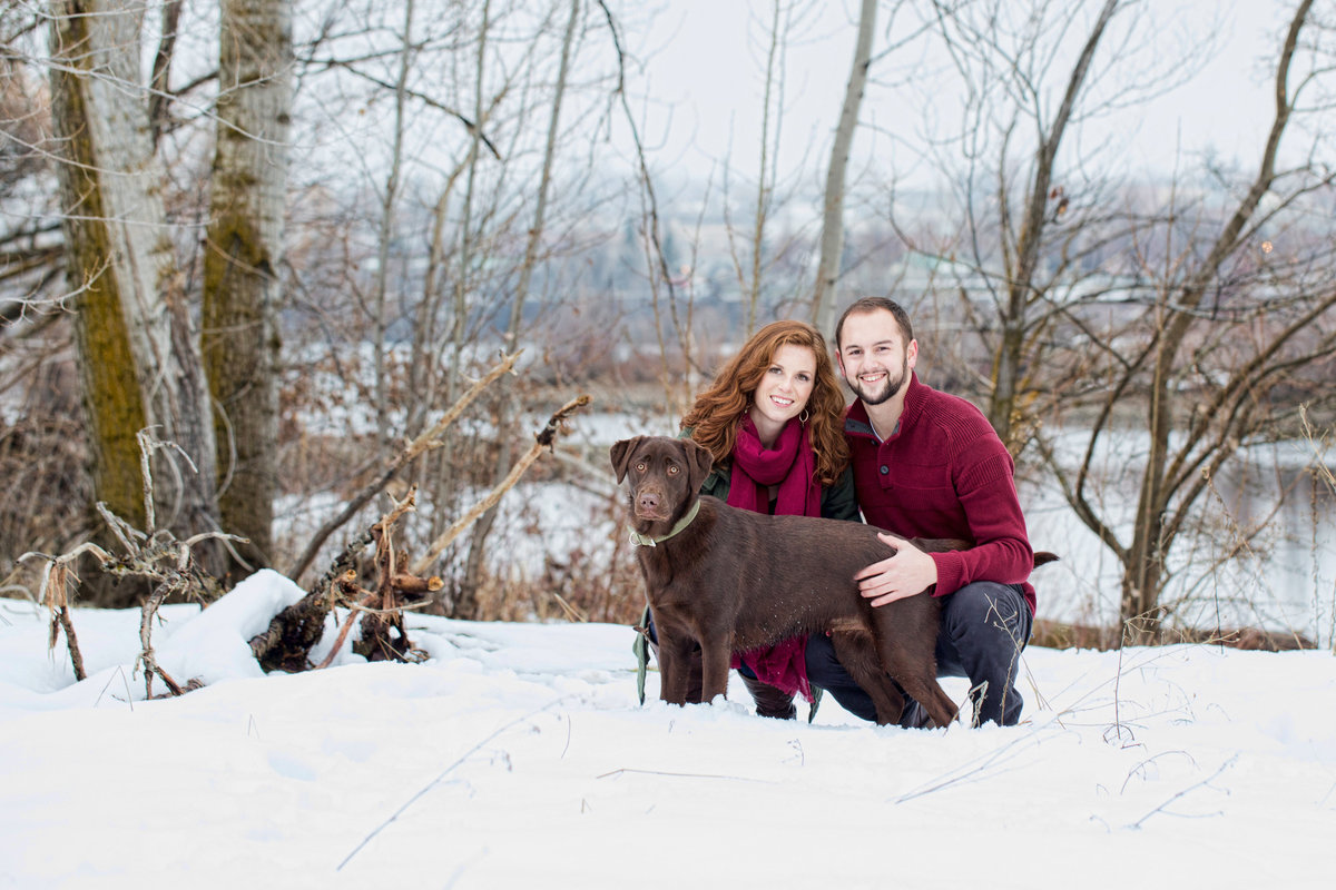 wenatchee winter engagement with labrador  Lynette Smith Photography