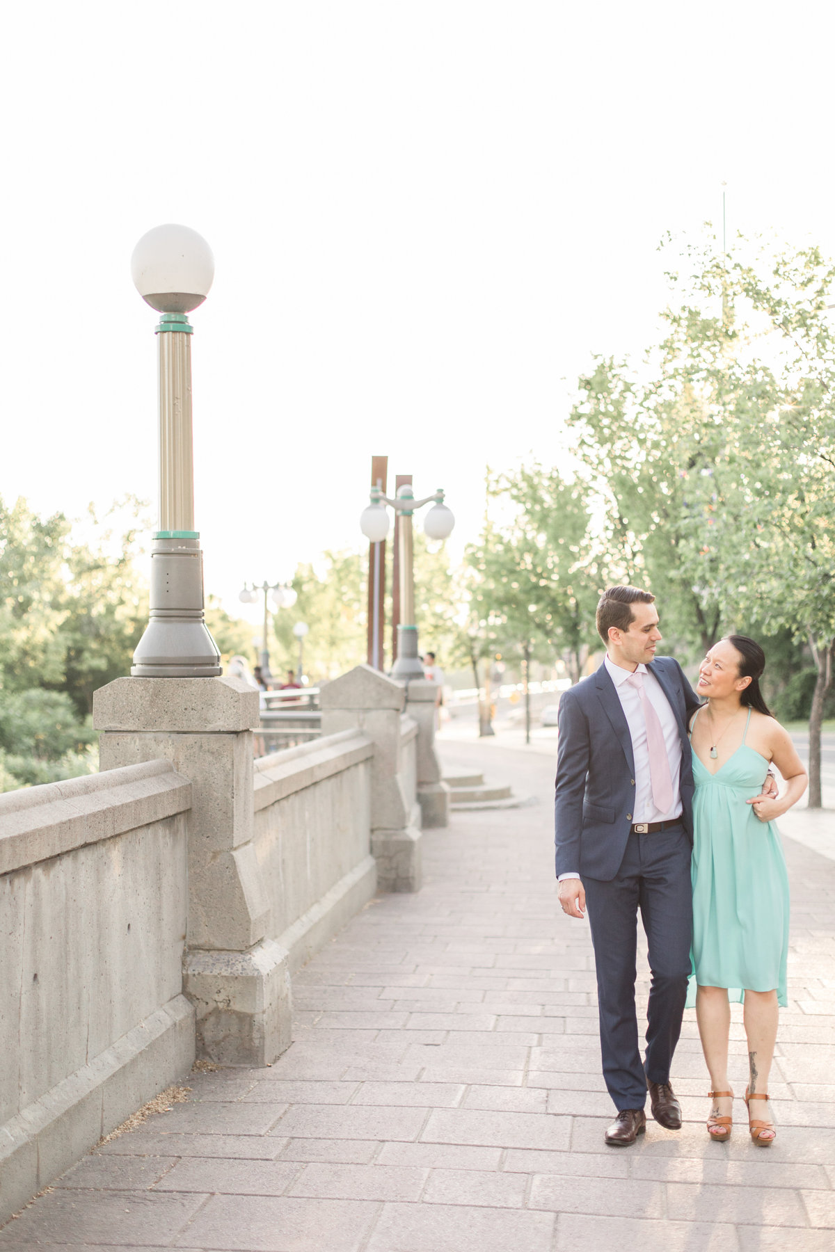 Ottawa-Wedding-Photographer-National-Art-Gallery-Engagement-8