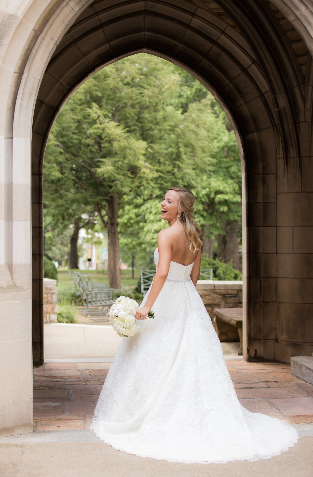 Chapel Wedding - Scaritt Bennett - Nashville Bride - Nashville Brides - Nashville Wedding - Nashvilel Weddings - Southern Bride - Traditional Bride011