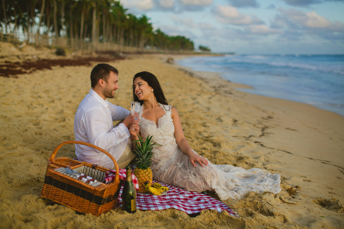 punta_cana_canada_intimate_wedding_dress_photographer_katya_nova_045