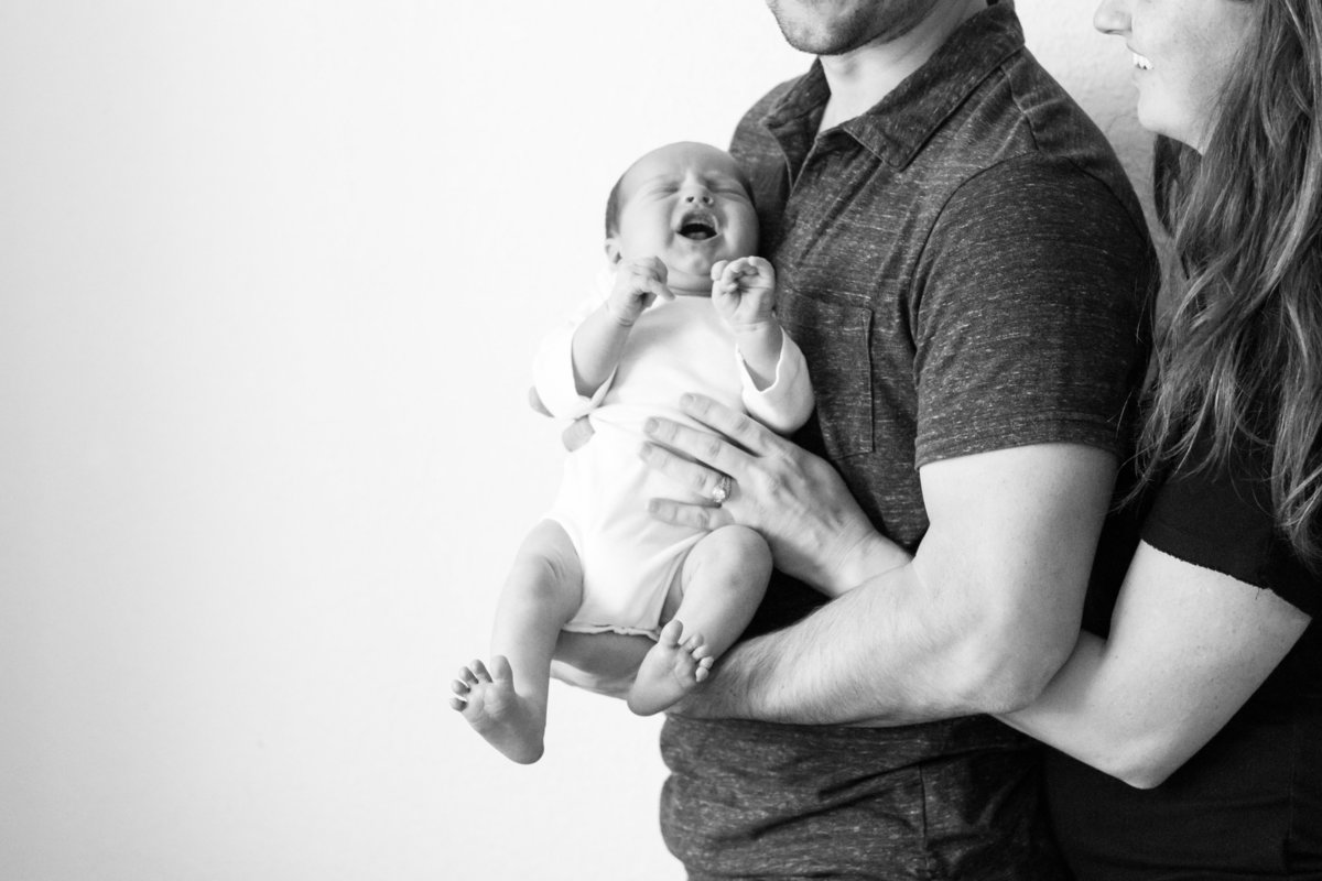 ridgecrest-california-newborn-photographer-lifestyle