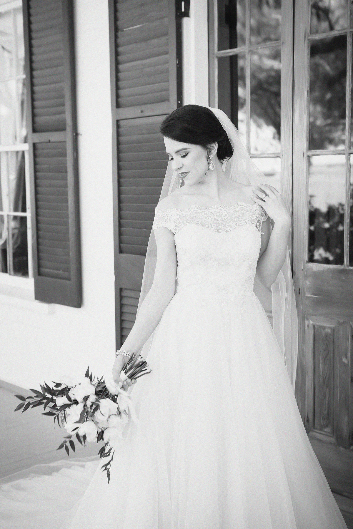 bride at old place in gautier