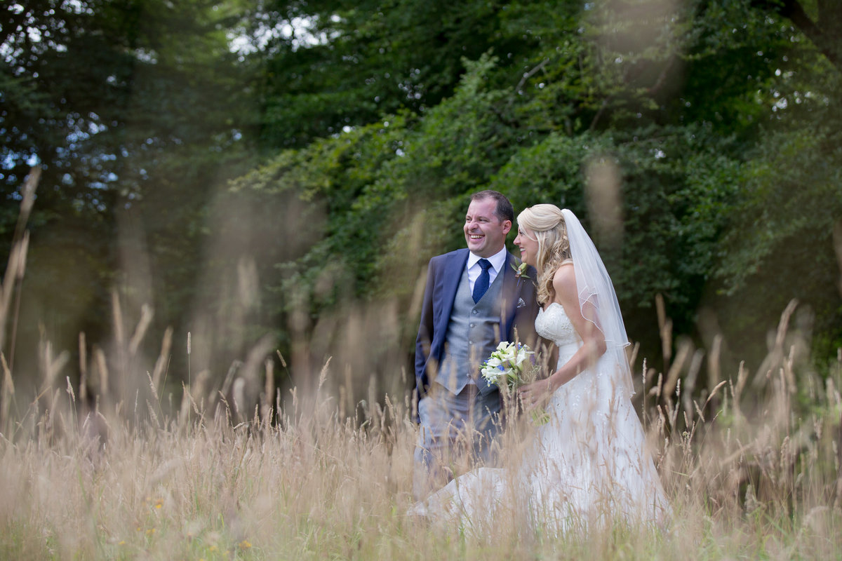 wedding photographer in honiton at lakeview manor