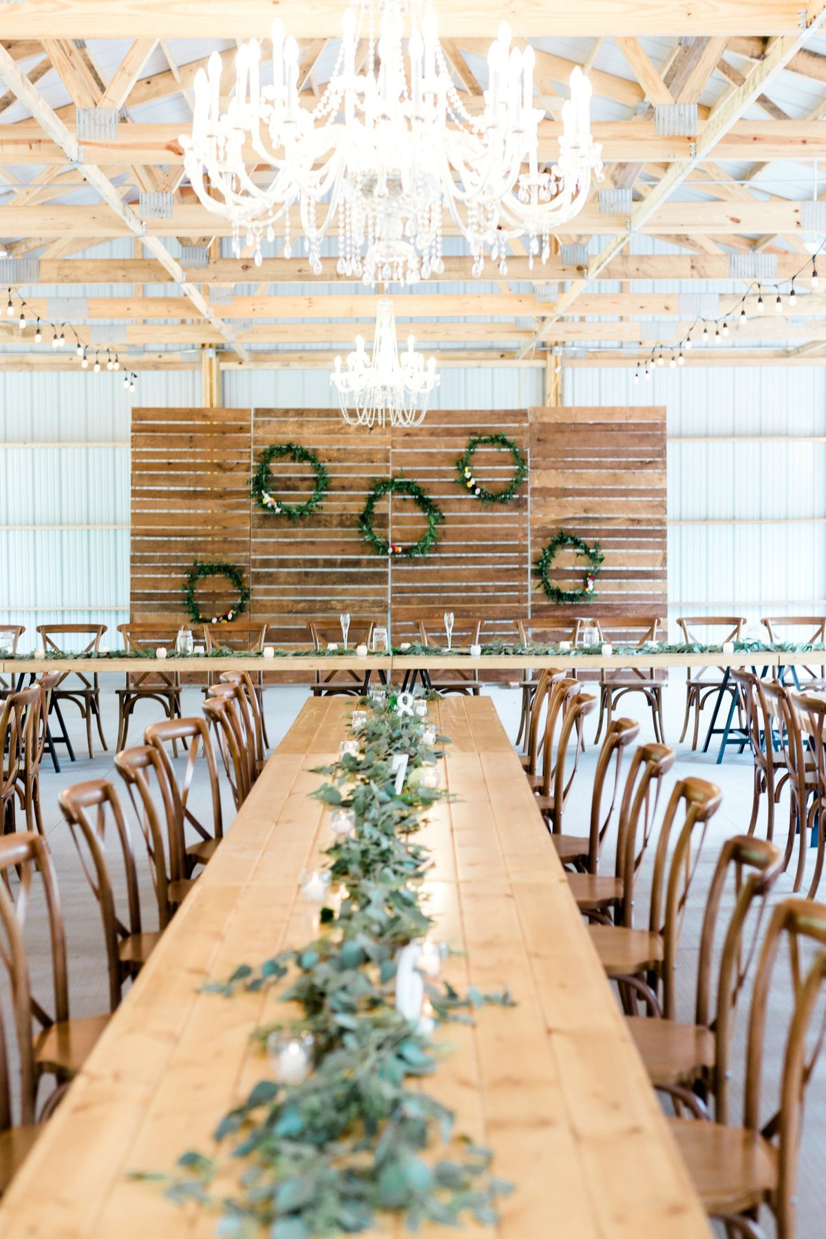 Round-Barn-Wedding-Red-Wing-415