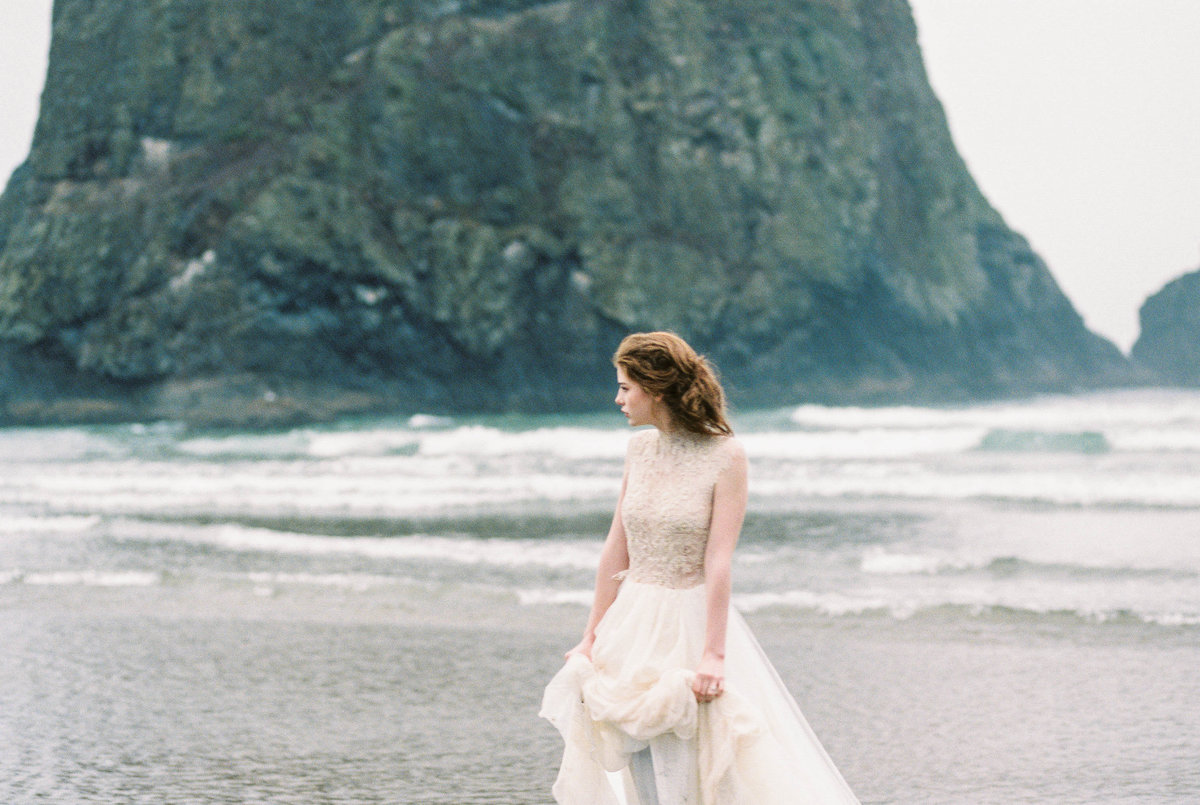 Cannon-Beach-Bridal-Editorial-Georgia-Ruth-Photography-37