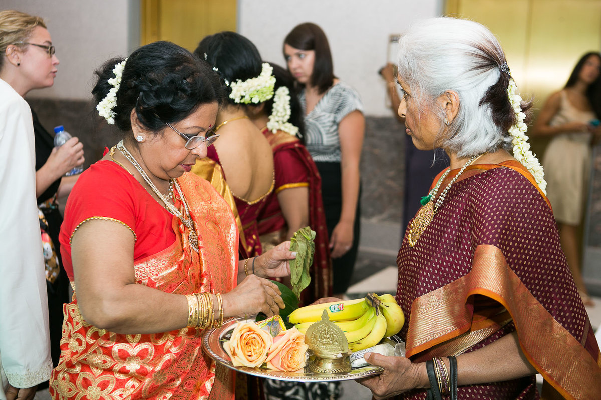 Harold-Washington-Library-South-Asian-Wedding-078