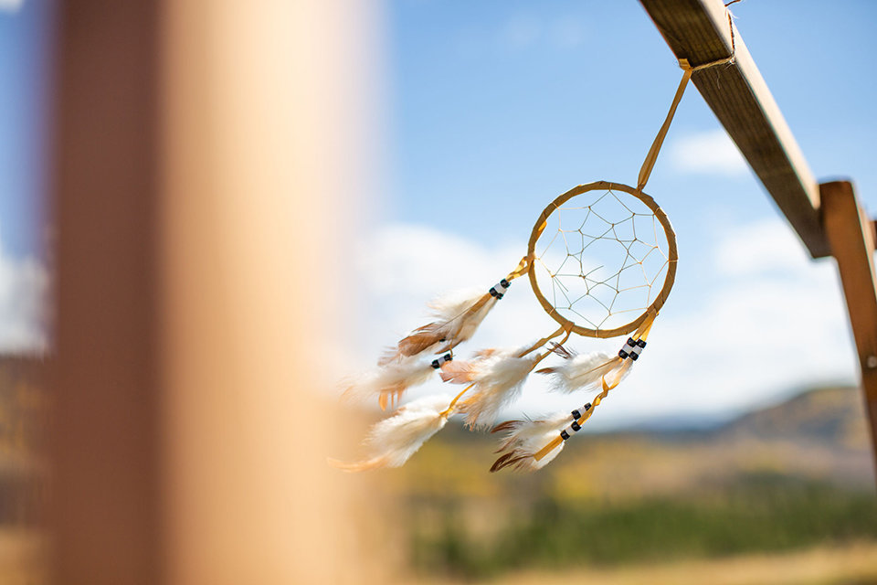 granby-colorado-Strawberry-Creek-Ranch-Wedding-Ashley-McKenzie-Photography-tropic-meets-mountain-wedding-colorful-indian-dreamcatcher