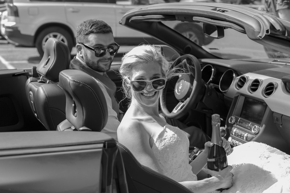 couples-get-away-car-Colorado-wedding