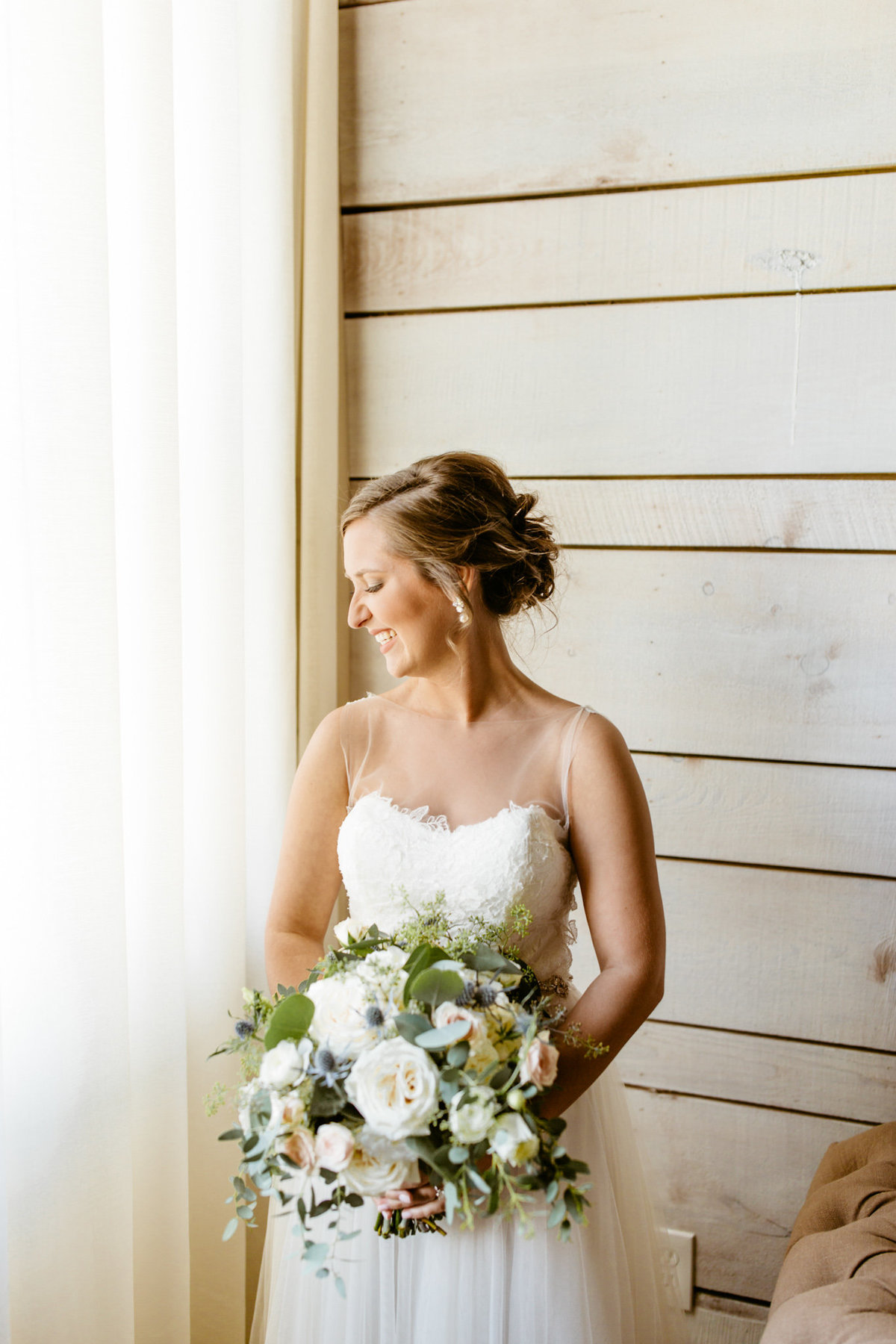 Alexa-Vossler-Photo_Dallas-Wedding-Photographer_North-Texas-Wedding-Photographer_Stephanie-Chase-Wedding-at-Morgan-Creek-Barn-Aubrey-Texas_69