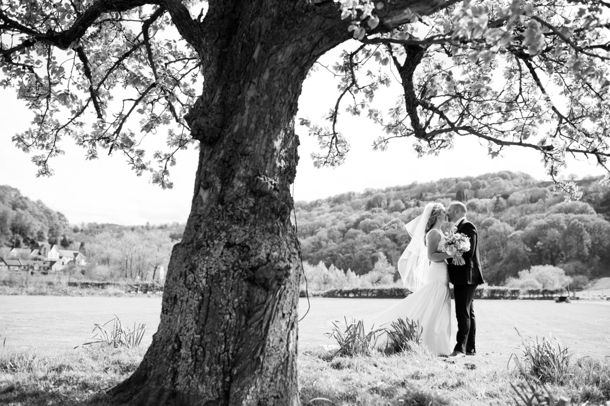 flanesford priory wedding photograpy