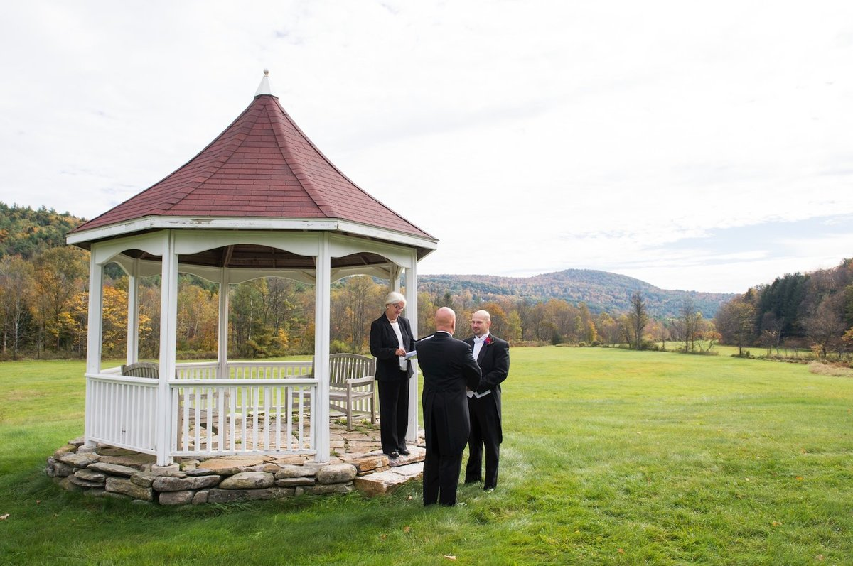 find photographer for same sex wedding ceremony in Vermont