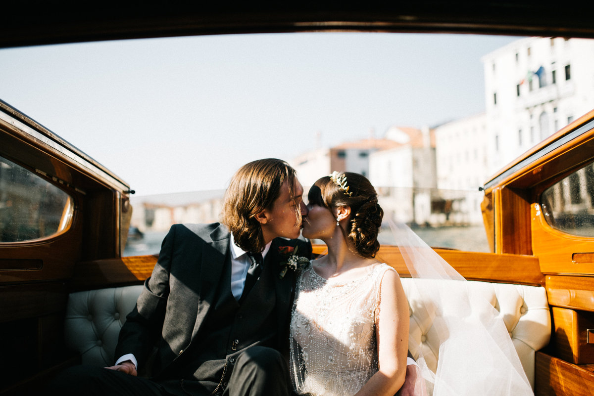 destination-venice-italy-elopement-wedding-2