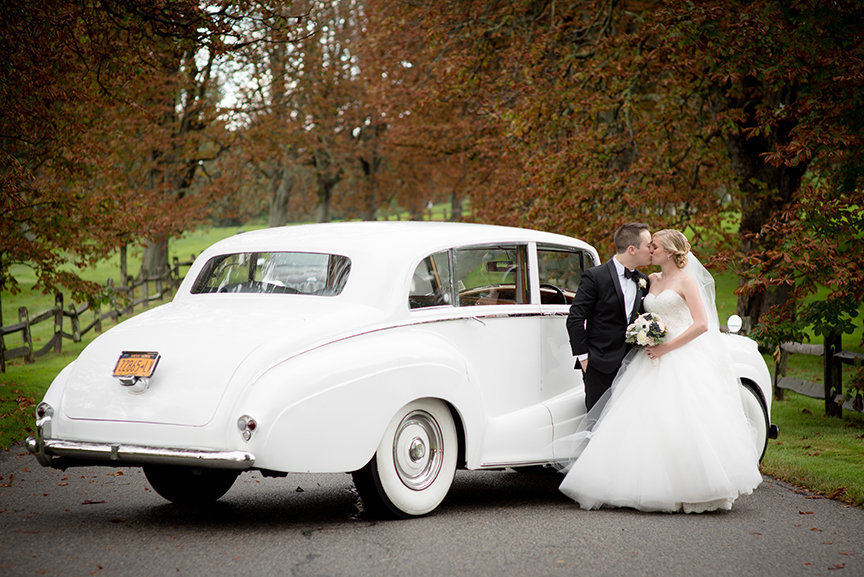 Legend Limousines - Pine Hollow Country Club, New York - Imagine Studios Photography - Wedding Photographer