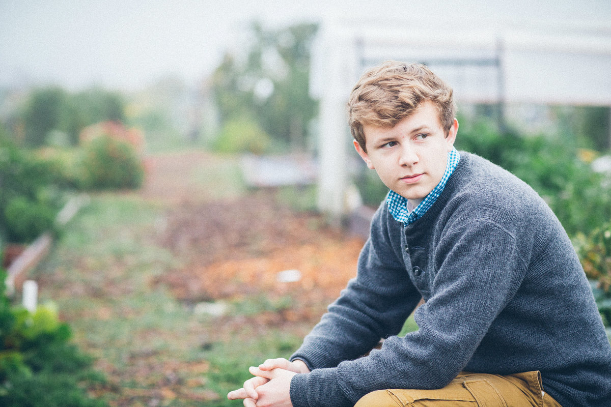 Lake Oswego High School Senior Pictures at local Park