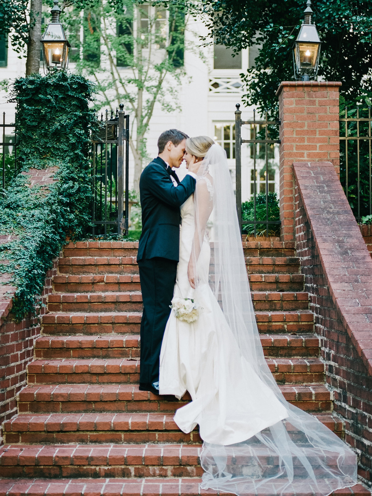 Duke Mansion Charlotte Wedding Photographers, when in white wedding planning, Be pretty Lindsey Regan Thorne and Sabrina Claudine