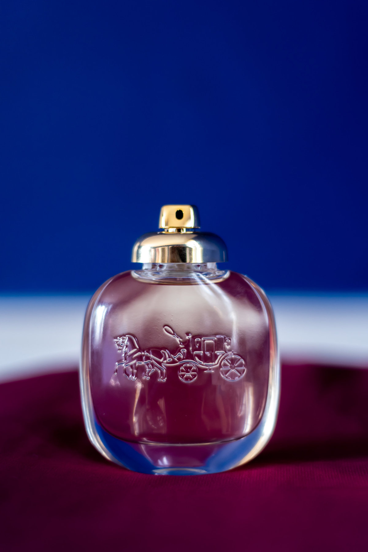 Beautiful photo of a parfume. Richmond wedding photographers
