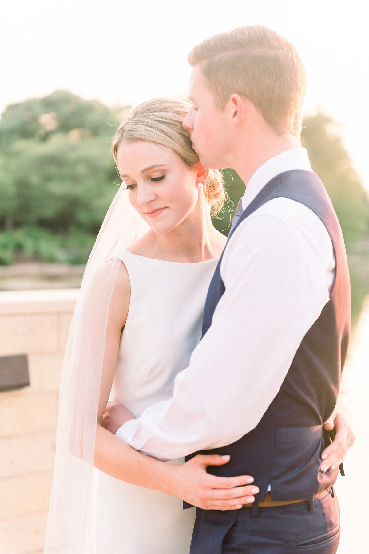 TiffaneyChildsPhotography-ChicagoWeddingPhotographer-Micheala+Tommy-ChicagoBotanicGardenWedding-BridalPortraits-123