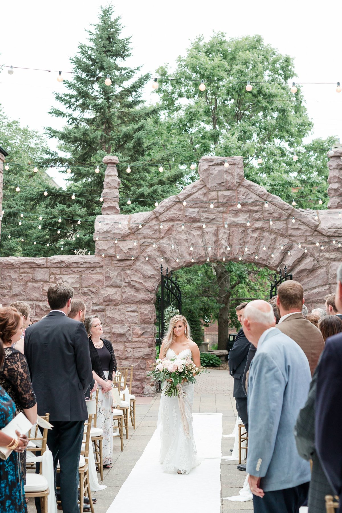 Maison Meredith Photography Wisconsin Wedding Photographer Real Wedding Two 051