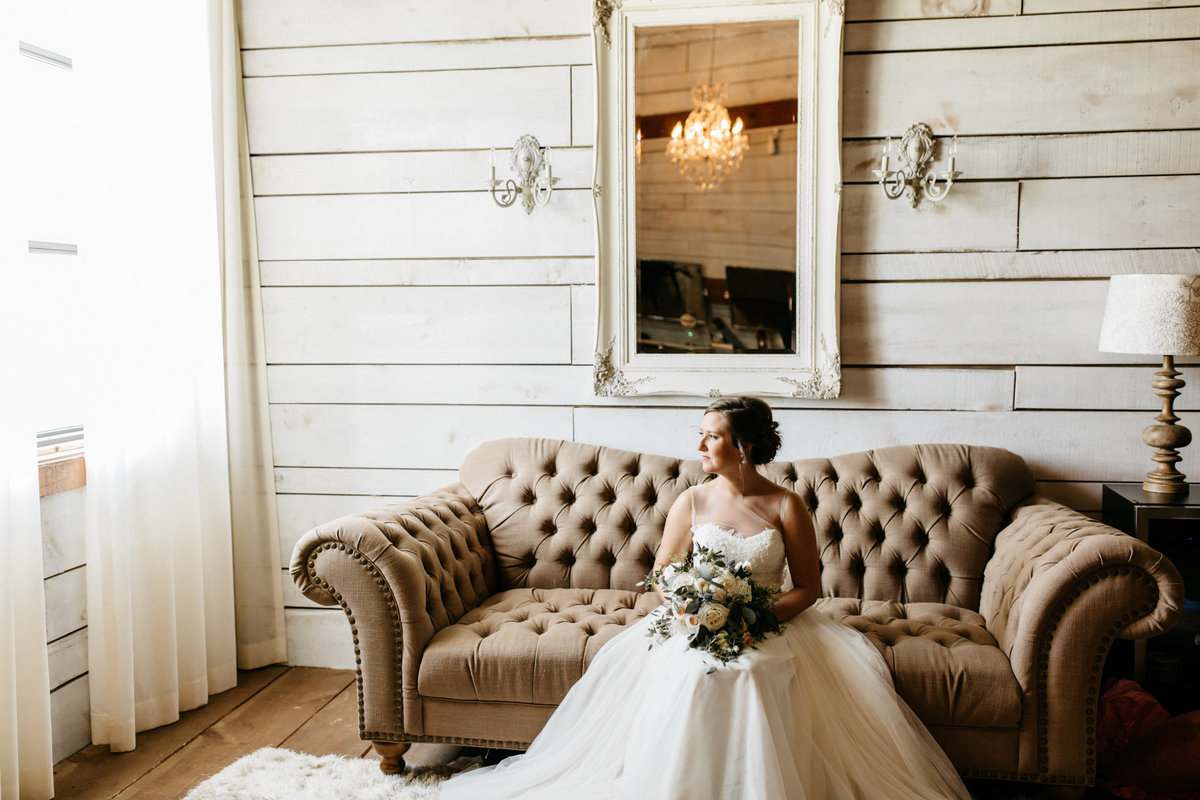 Alexa-Vossler-Photo_Dallas-Wedding-Photographer_North-Texas-Wedding-Photographer_Stephanie-Chase-Wedding-at-Morgan-Creek-Barn-Aubrey-Texas_14