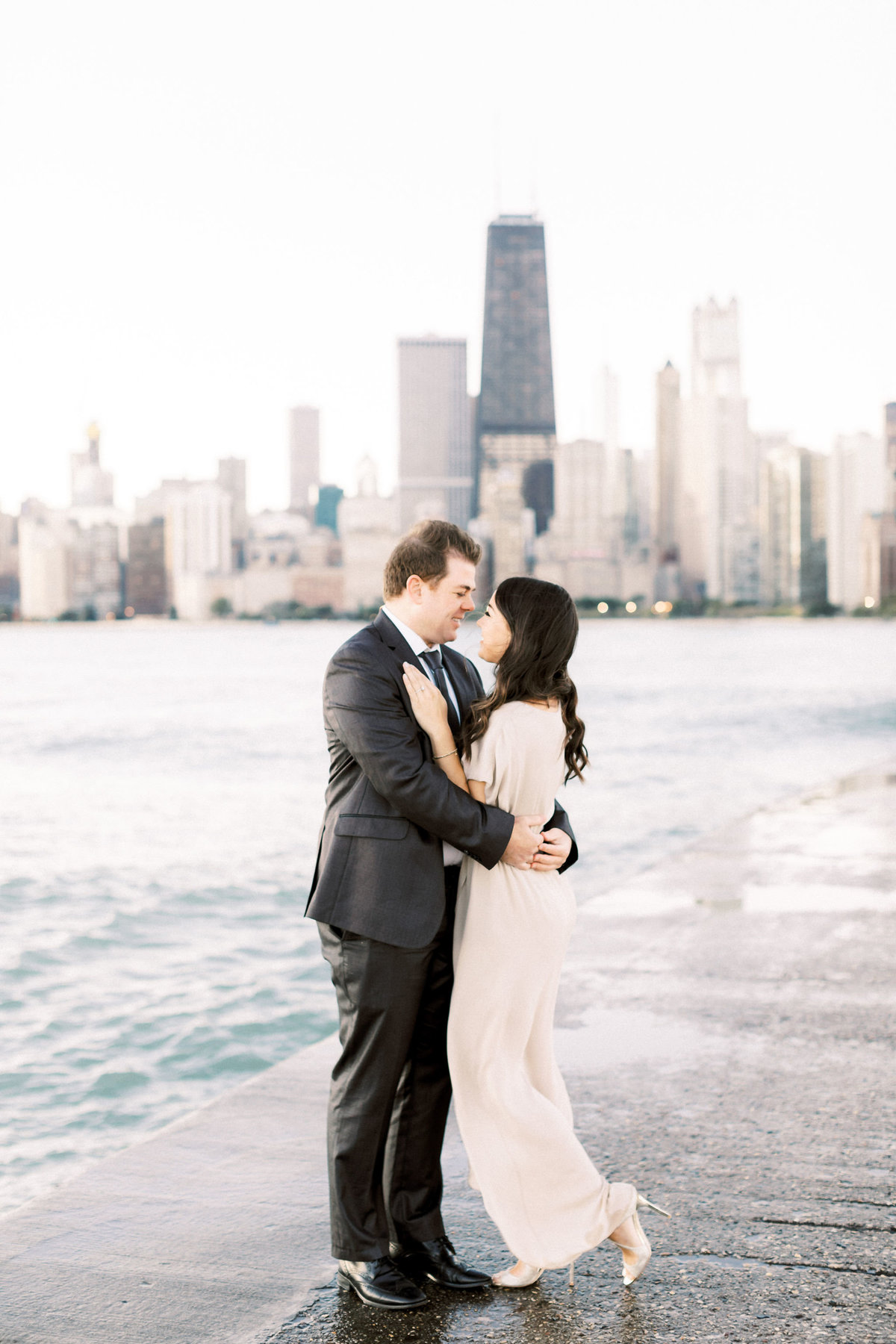 TiffaneyChildsPhotography-ChicagoWeddingPhotographer-Frankie+Brian-NorthAvenueBeach&RiverwalkEngagementSession-14