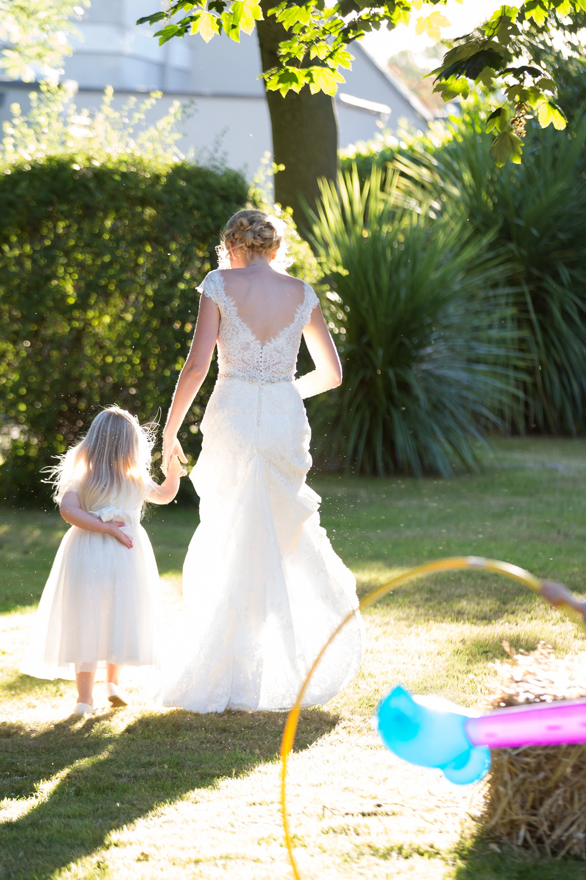 bride and flower girl at bridwell