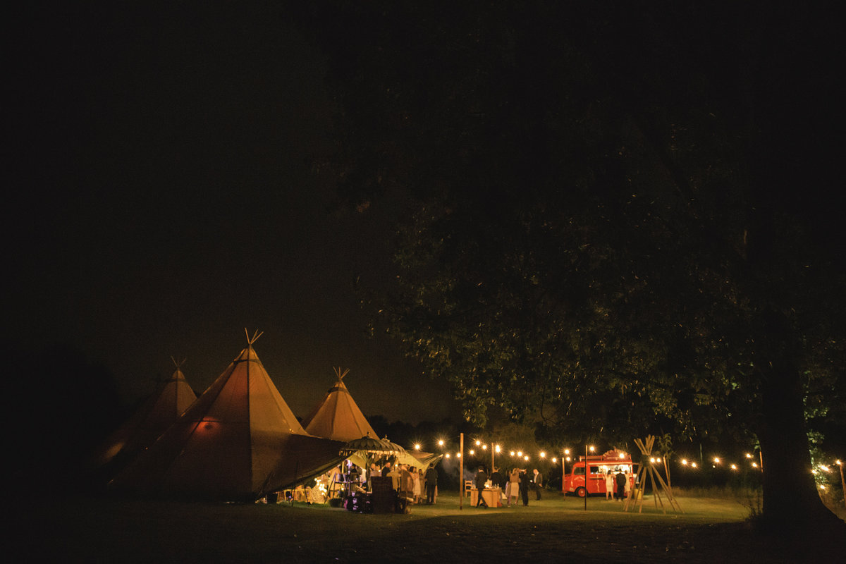 UK TIPI WEDDING (2)