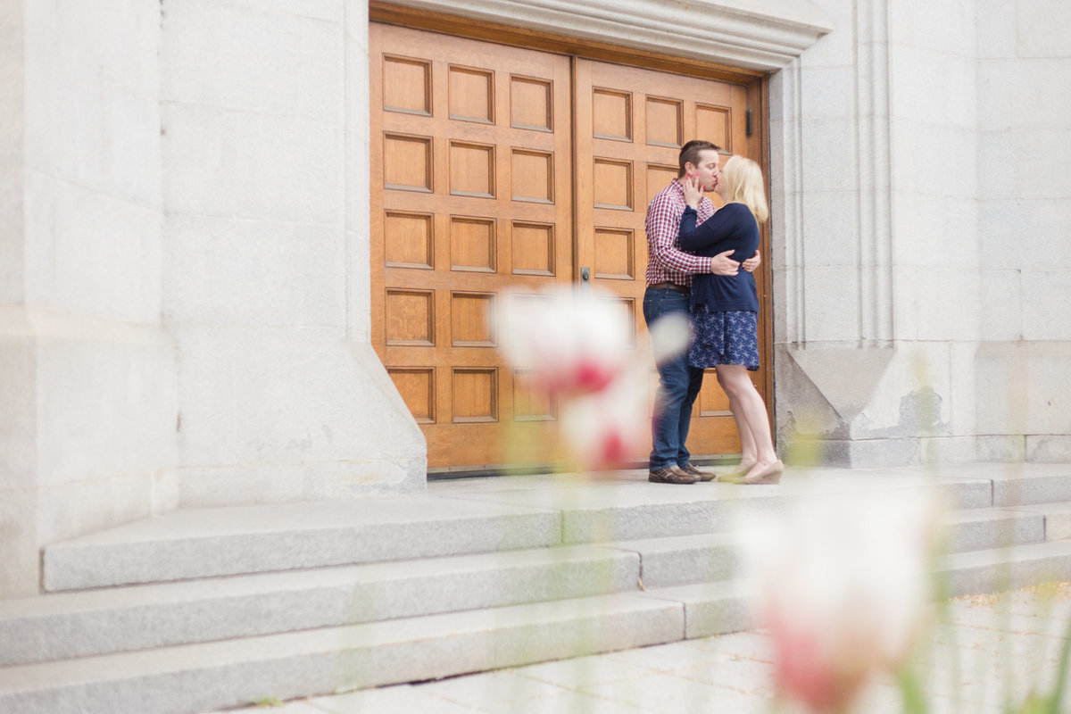 Ottawa-Wedding-Photographer-downtown-ottawa-engagement-35