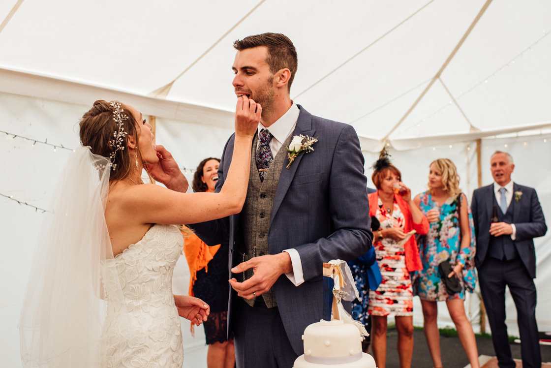 024-Relaxed-Marquee-Wedding-Photographer