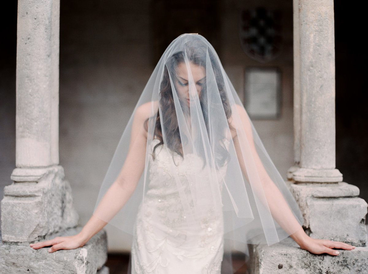 ancient-spanish-monastery-ethereal-lavender-editorial-melanie-gabrielle-photography-037