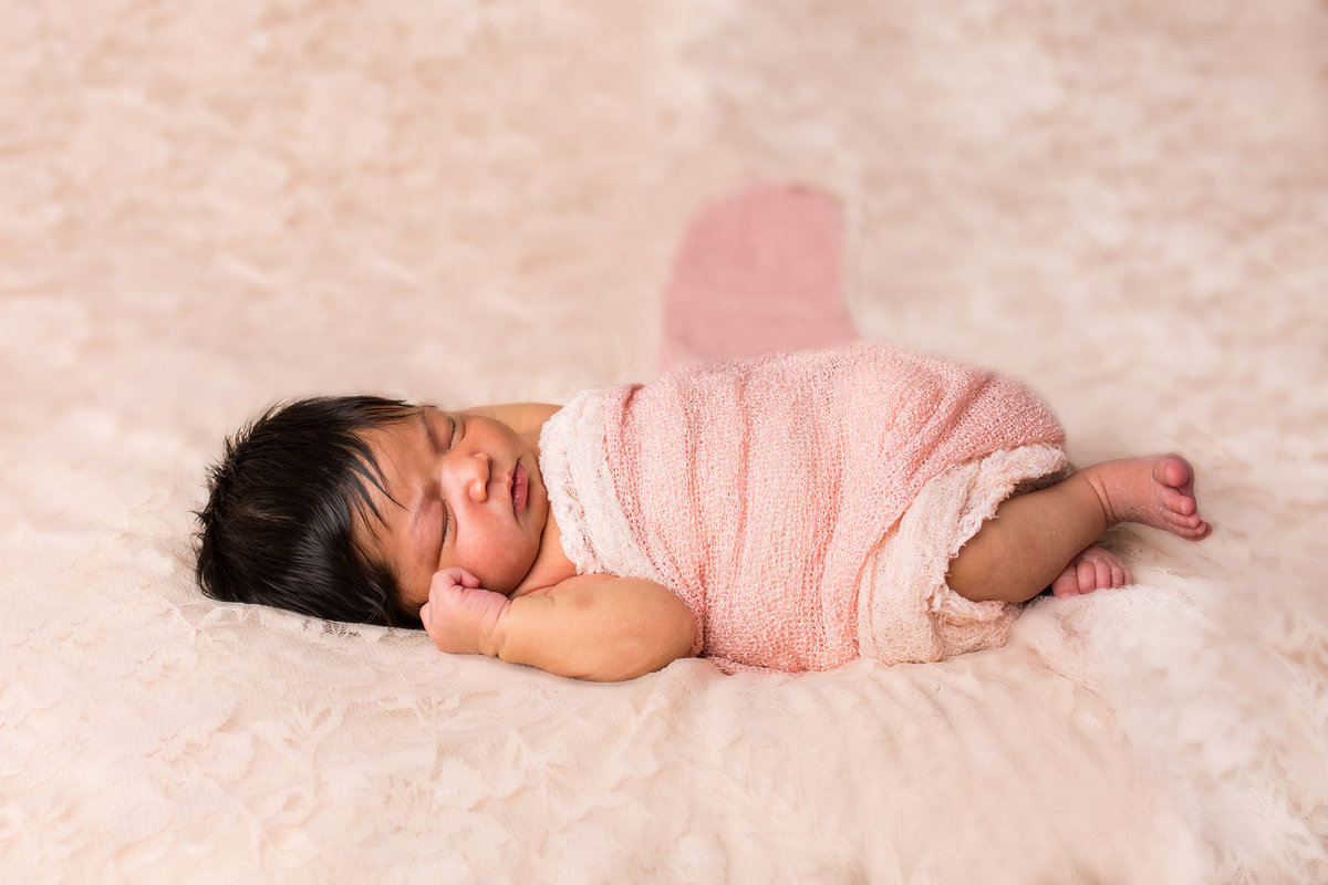 ideas for girl newborn photos