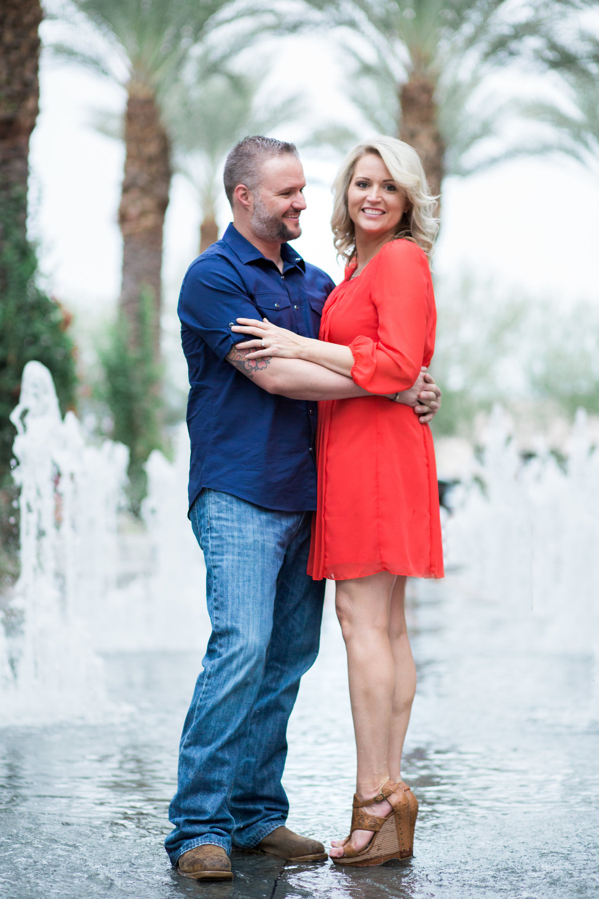 Jessica_Mike_Scottsdale_Quarter_Arizona_Engagement_0755-Edit
