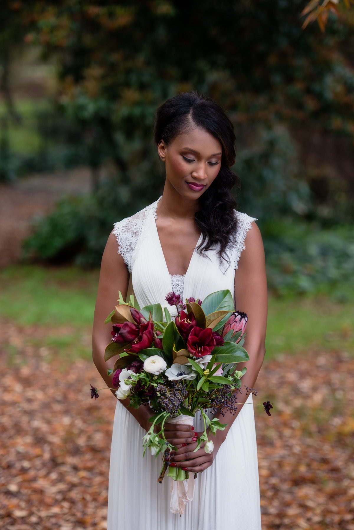 Romantic bride with Deep Red bouquet