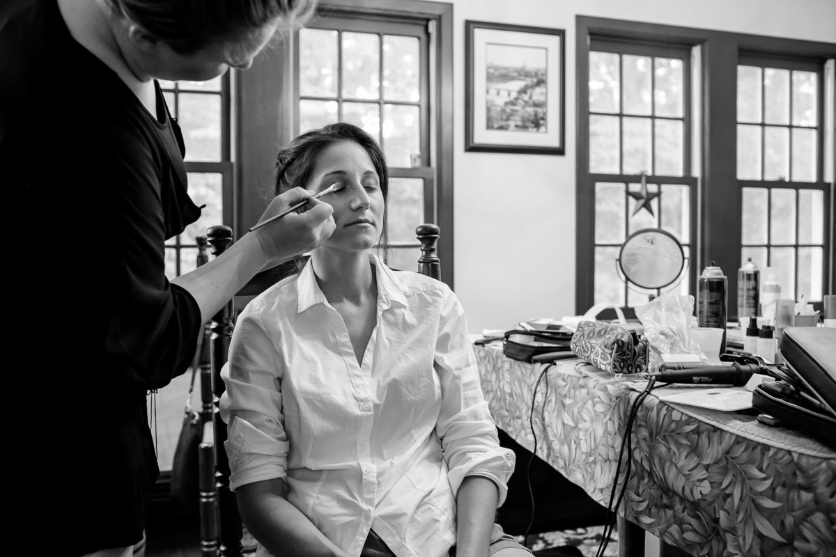 Brooklyn Wedding Photographer | Rob Allen Photography | Destination Wedding Photographer at Mt. Sinai New York  bride greeting ready