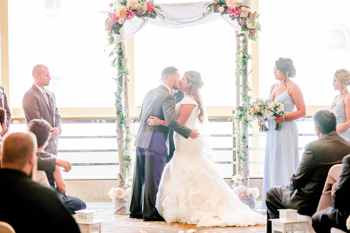 Baby Powder Blue and Blush Summer Park Inn Wedding with First Look by Toledo and Detroit Based Wedding Photographers Kent & Stephanie Photography_1021