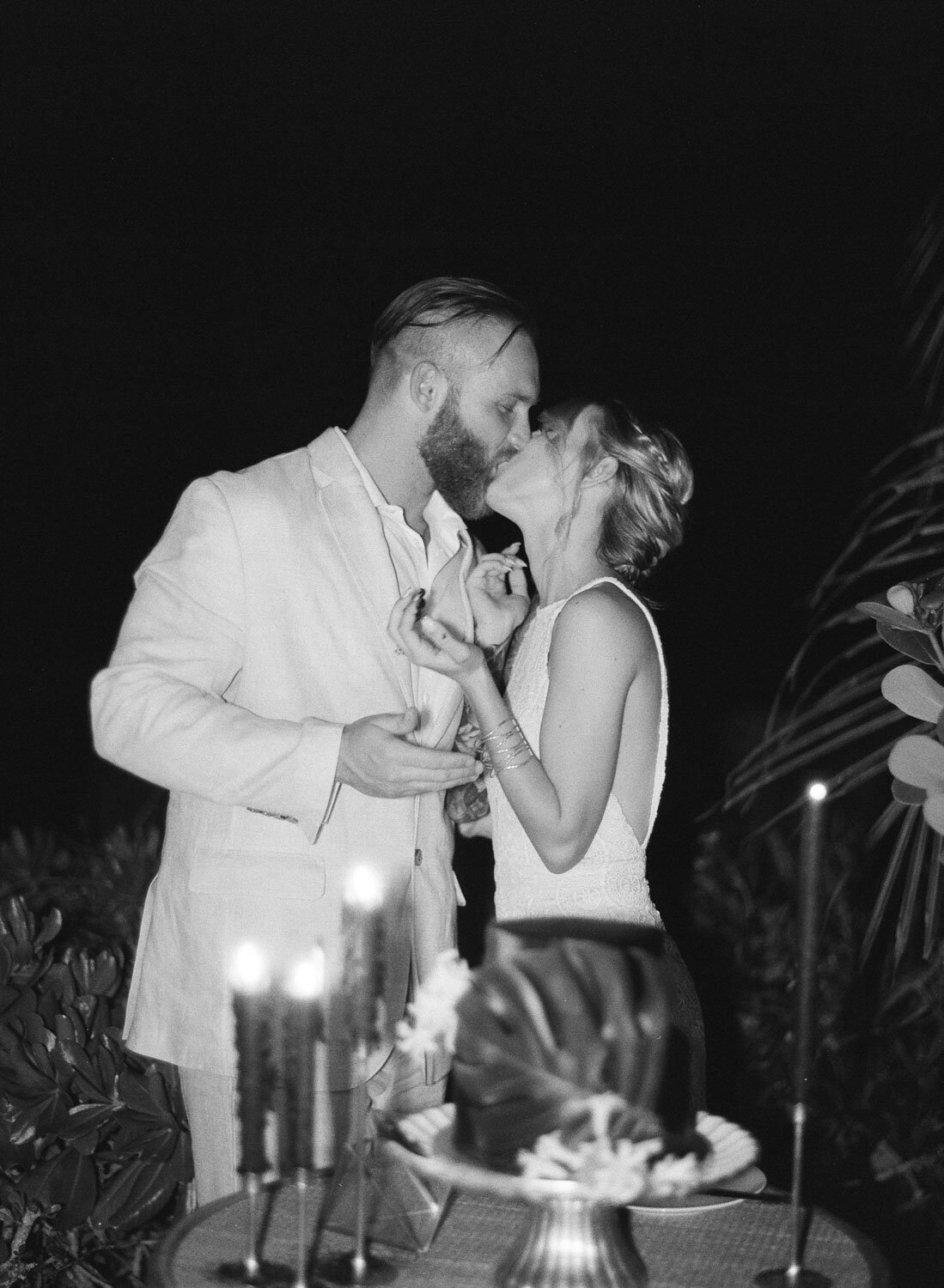 elegant-bohemian-tropical-december-destination-wedding-melanie-gabrielle-photography-martha-stewart-submission-141