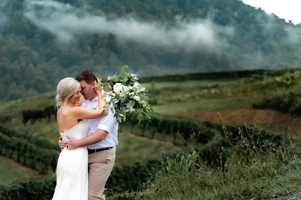 Beautiful wedding couple at Delfosse Vinyard.  Richmond and Charlottesville wedding photographers