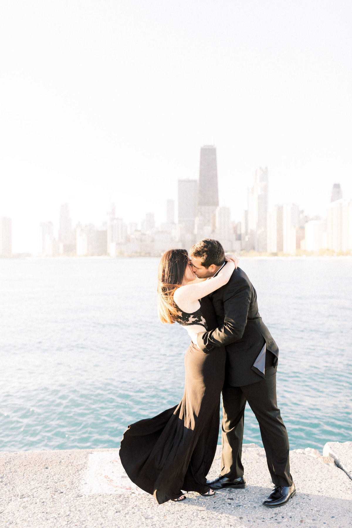 TiffaneyChildsPhotography-ChicagoWeddingPhotographer-Alana+Giancarlo-NorthAvenueBeachUnionStationEngagementSession-28