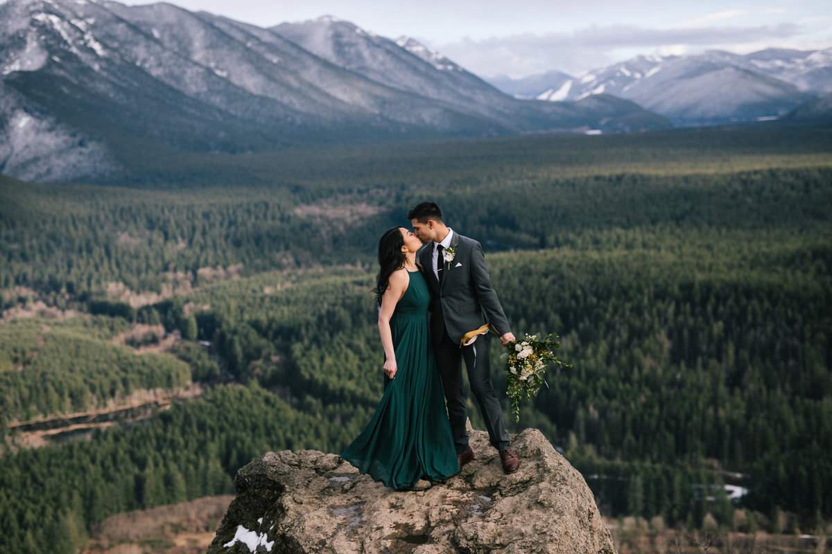 Mountain top elopement style proposal Rattle Snake Ledge PNW
