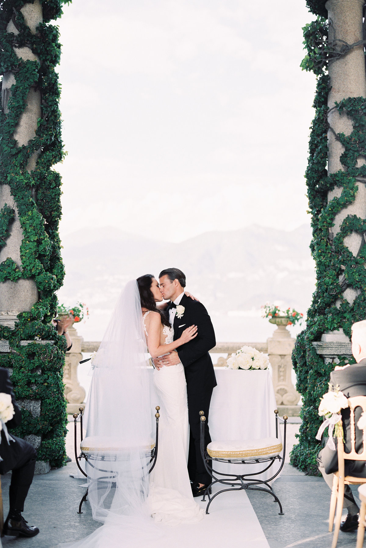 lake-como-italy-destination-wedding-melanie-gabrielle-photogrpahy-403