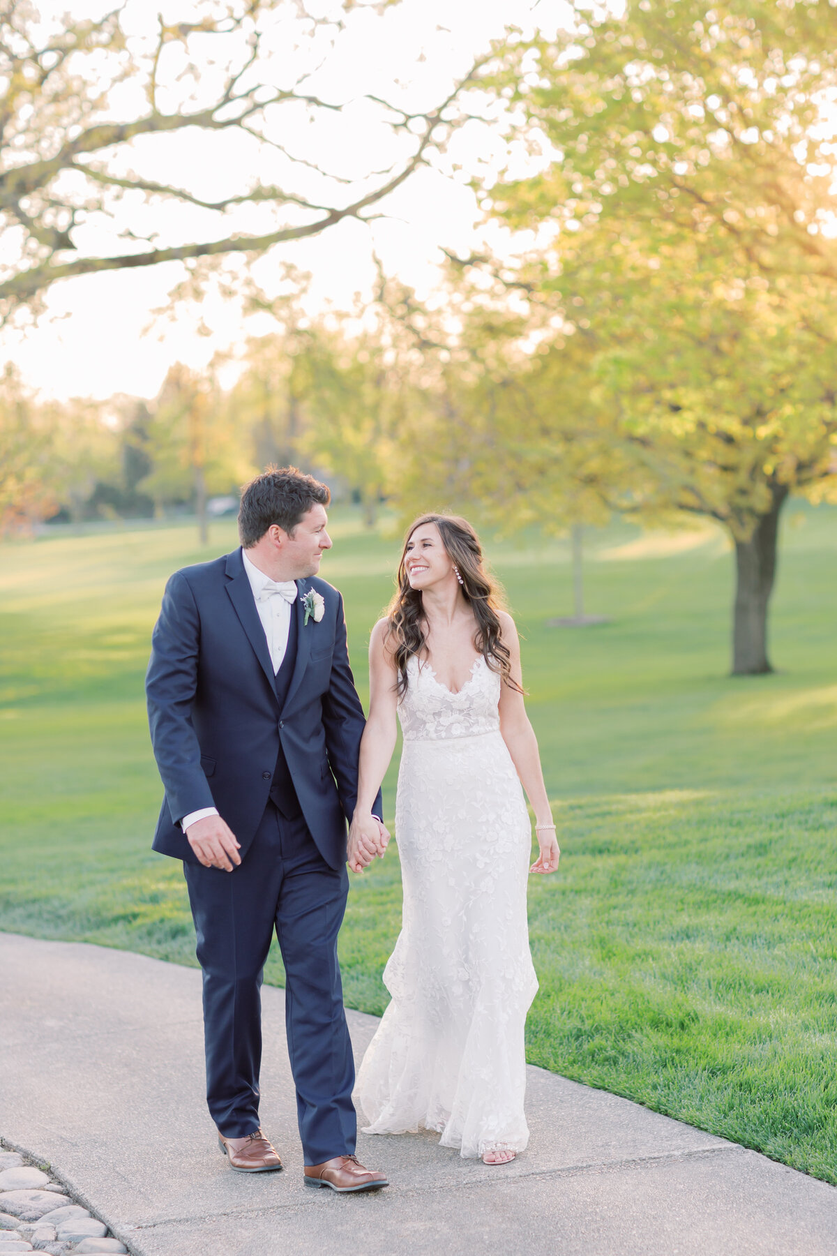 TiffaneyChildsPhotography-ChicagoWeddingPhotographer-Chloe+Jon-HinsdaleCountryClubWedding-BridalPortraits-145